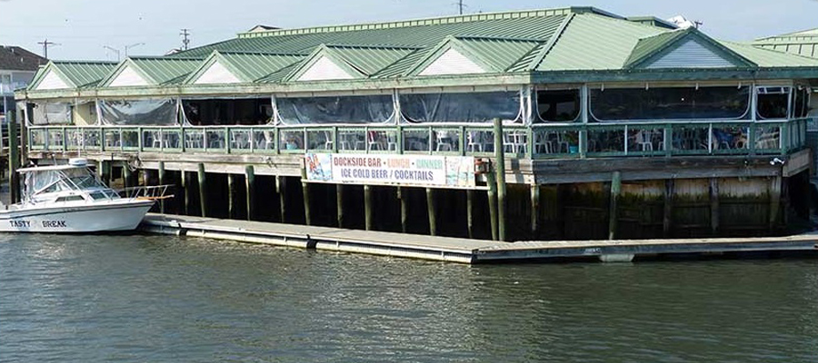 Uries Waterfront Restaurant